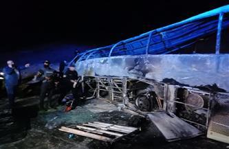 ارتفاع عدد ضحايا حادث تصادم أتوبيس بسيارة نقل بطريق «أسيوط- البحر الأحمر» | صور