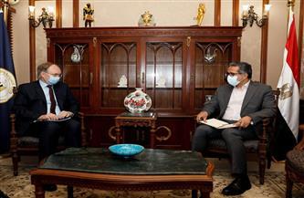 وزير السياحة والآثار يبحث مع سفير الاتحاد الأوروبي في القاهرة سبل التعاون المشترك