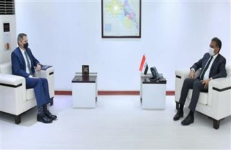 الخارجية العراقية تبحث مع السفير الأمريكي إعادة انتشار القوات القتالية خارج العراق