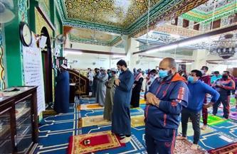 لليوم الرابع.. المساجد تستقبل ضيوف الرحمن لصلاة التراويح والأوقاف تشيد بالتزامهم بالإجراءات الاحترازية |صور