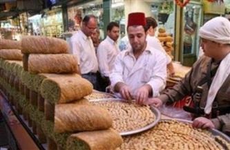 """""""الخيام وقت الإفطار والمداحة والحلويات"""".. عادات رمضانية في لبنان وفلسطين وسوريا  فيديو"""