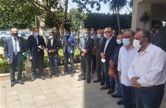 سلامة والشوربجى وجبر يتقدمون صفوف المشيعين في جنازة الراحل مكرم محمد أحمد  صور