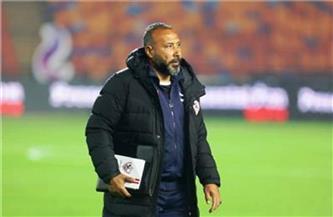 أمير عبد العزيز يؤازر لاعبي الزمالك في التدريب
