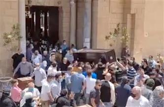 بدء تشييع جثمان والدة الفنان أحمد خالد صالح من مسجد عمرو بن العاص |صور
