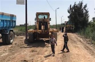 رصف شارع الستين بريف المنتزه بالإسكندرية لخدمة 15 قرية |صور