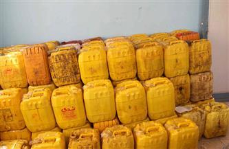ضبط مصنع غير مرخص لتعبئة زيت الطعام مجهول المصدر بالقليوبية