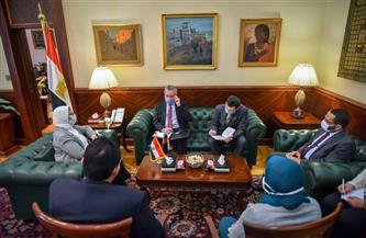 """وزيرة الصحة تستقبل السفير الروسي بمصر لبحث توفير لقاح كورونا """"سبوتنك V""""   صور"""