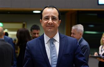 """وزير الخارجية القبرصي يتلقى الجرعة الأولى من لقاح """"أسترازينيكا"""""""
