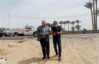 نائب محافظ الجيزة يتفقد مشروعات الرصف والتطوير بطريقي آثار سقارة السياحي والمريوطية الغربي |صور