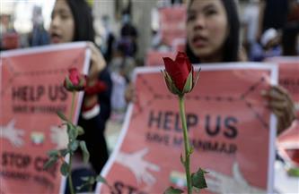 «إضراب الزهور».. تحرك جديد للمئات في ميانمار إحياء لذكرى ضحايا الأحداث الأخيرة