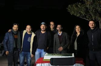 """منذر رياحنة وعبير صبري ومحمد عز يستأنفون تصوير مشاهد """"آل هارون"""" بالجيزة"""