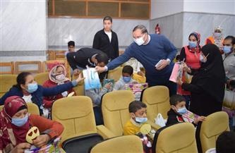 وفد من جامعة سوهاج يزور عددًا من دور رعاية الأطفال احتفالا بيوم اليتيم   صور