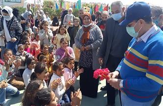 محافظ شمال سيناء يحتفل بيوم اليتيم بزراعة شجرة زيتون | صور