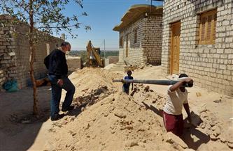 رئيس مركز إسنا يعلن مد وتدعيم شبكة مياه الشرب بدائرة قرية الشغب وداخل المركز |صور