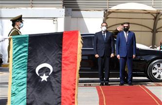 استقبال رسمي لرئيس الوزراء في مقر الحكومة الليبية وعزف السلام الوطني للبلدين