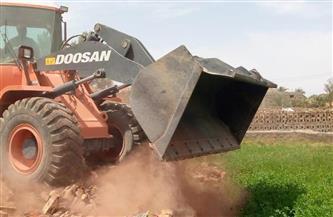 إزالة 3 تعديات بالبناء على الأرض الزراعية في الريانية |صور