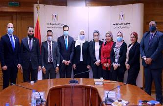 تفاصيل لقاء وزيرة التضامن الاجتماعي بوفد تنسيقية شباب الأحزاب والسياسيين |صور