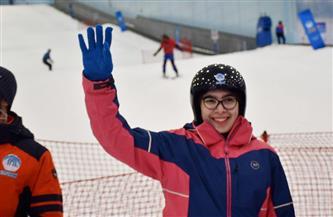 وزارة الشباب والرياضة تدعم مبادرة أول لاعبة تزحلق على الجليد | صور