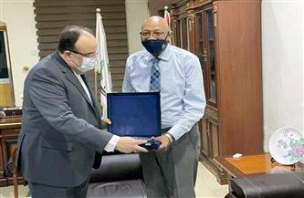 سفير مصر في الخرطوم يلتقي بوزير الصحة الاتحادية السوداني