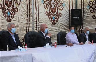 وزير النقل خلال الإفطارمع العاملين بورش الفرز: لا مكان لمقصر | صور