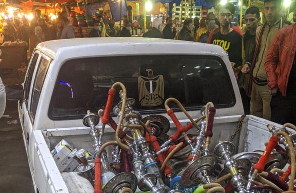 غلق  مقاهٍ وكافيهات ومصادرة  شيشة في قطور بالغربية