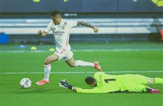 ريال مدريد يتقاسم الصدارة مؤقتًا مع أتليتكو بثلاثية في قادش