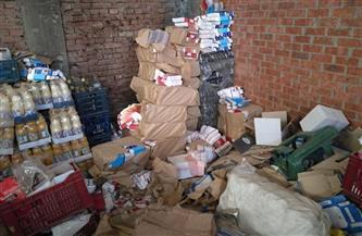 ضبط 5 أطنان سلع غذائية غير صالحة للاستهلاك الآدمي بمصنع عصير بدون ترخيص في سوهاج