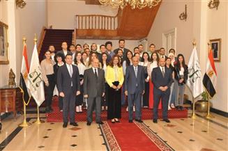 وفد شباب الدارسين بالخارج يزور مجلس الدولة بحضور وزيرة الهجرة   صور