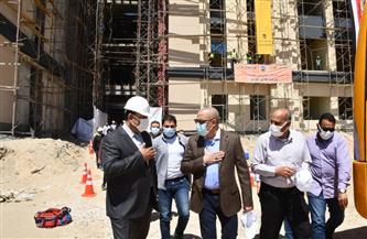 وزير الإسكان يتفقد جامعة المنصورة الدولية للعلوم والتكنولوجيا