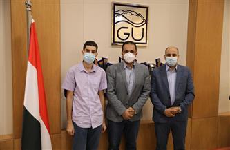 جامعة الجلالة تستقبل أصغر مصري حاصل على درجة الدكتوراه |صور