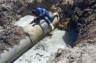 إصلاح كسر ماسورة مياه رئيسية بمنطقة القباري بالإسكندرية |صور