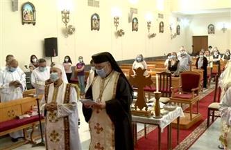 بطريرك الأقباط الكاثوليك يترأس صلاة جمعة ختام الصوم بكنيسة المعادي| صور