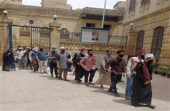بعد افتتاحه بأيام.. توافد مئات الزائرين المصريين والأجانب إلى قبة ضريح الإمام الشافعي  صور