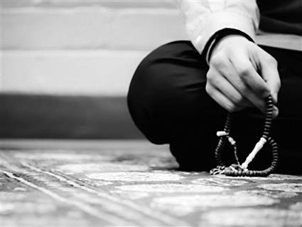 الاستغفار الشيطان توعد بالإغواء والله تعالى وعد بالمغفرة خاصة فى رمضان