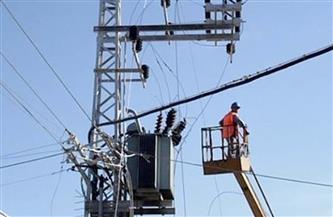 صيانة 54 كشافًا خلال حملة لصيانة الكهرباء فى مركز كوم حمادة بالبحيرة