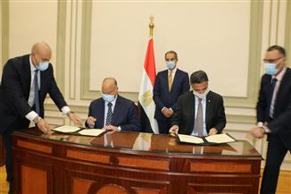 وزير الاتصالات ومحافظ القاهرة يوقعان برتوكولا لصرف تعويضات المواطنين نتيجة تنفيذ مشروعات قومية