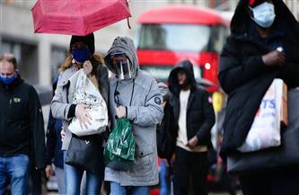 محتجون مناوئون للعزل العام يكسرون القيود خلال مسيرة في وسط لندن
