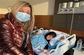 بوسي شلبي تحتفل بعيد ميلاد فيفي عبده في المستشفى