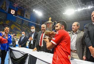 إسلام حسن: دعم الخطيب وراء الفوز بكأس اليد.. واللقب هدية للجماهير