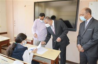 محافظ سوهاج يتفقد امتحانات الصفين الأول والثاني الثانوي | صور