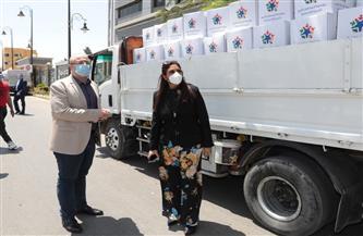 محافظ بني سويف يتفقد قافلة مساعدات لدعم الفئات الأولى بالرعاية | صور