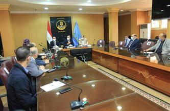 محافظ كفر الشيخ يوجه بتعاون الصحة والتأمين الصحي والمستشفى الجامعي في نقل الحالات الطارئة لـ«كورونا»