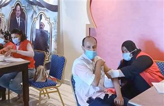 استمرار تطعيم العاملين بفنادق الغردقة السياحية ضد فيروس كورونا  صور وفيديو