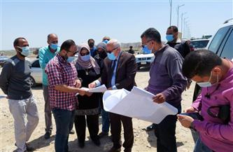 محافظ بورسعيد يتابع سير العمل في تطوير شارع الشاحنات |صور