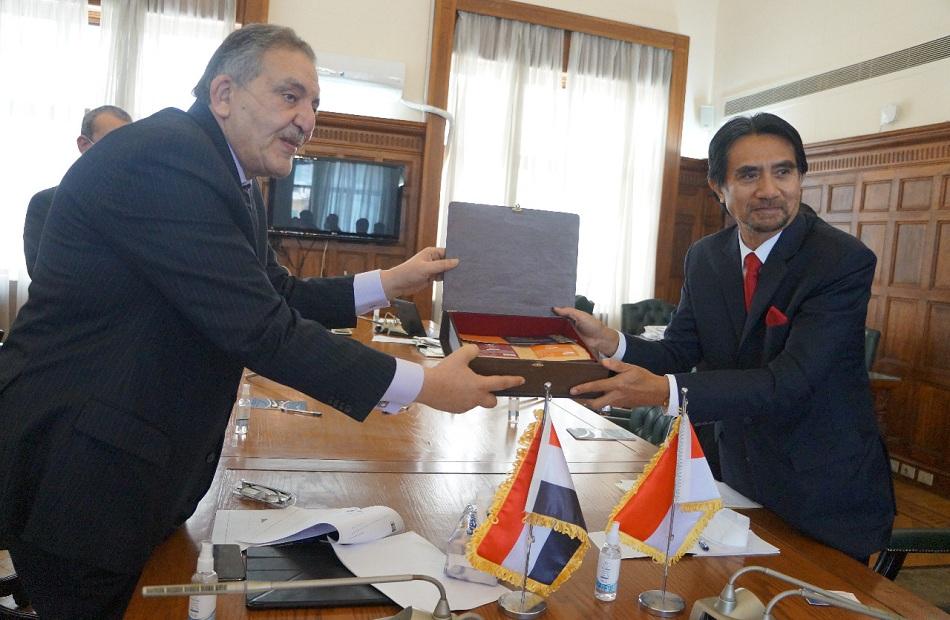 في لقائه بـ«تجارية الإسكندرية سفير إندونيسيا يؤكد أهمية تعميق العلاقات المشتركة مع مصر | صور