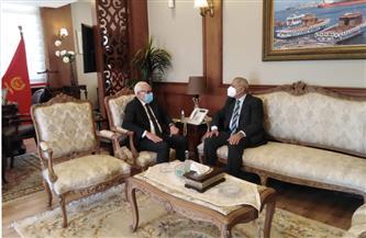 محافظ بورسعيد يستقبل رئيس الأكاديمية البحرية لبحث تأهيل الشباب | صور