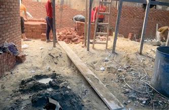 حي الدقي يرصد حالة بناء مخالف ويحيل صاحب العقار للنيابة | صور