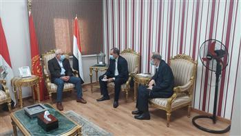 محافظ بورسعيد: توافر السلع الغذائية والمواد الأساسية بالأسواق