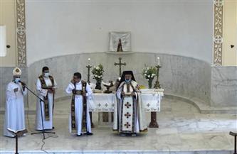 بطريرك الأقباط الكاثوليك يترأس قداس الخميس الكبير بكنيسة التجمع | صور