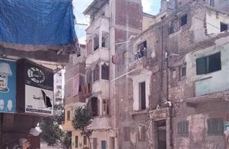 إزالة عقار آيل للسقوط بالورديان غرب الإسكندرية| صور